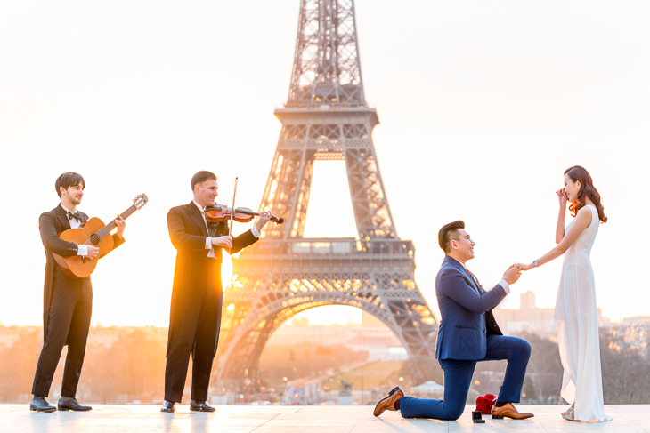 Paris proposal Photographer how to propose in Paris with classical musicians and a Paris proposal planner
