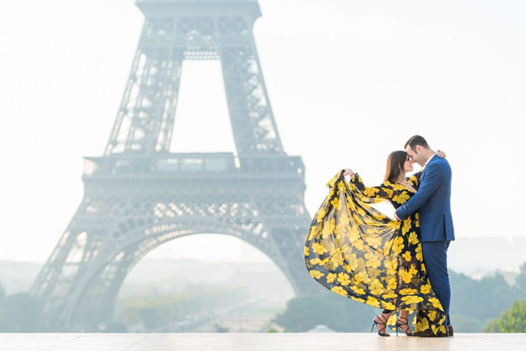 Outfit ideas for Paris engagement photos at the Eiffel Tower