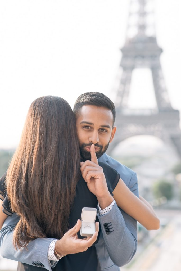Paris proposal at the Eiffel Tower