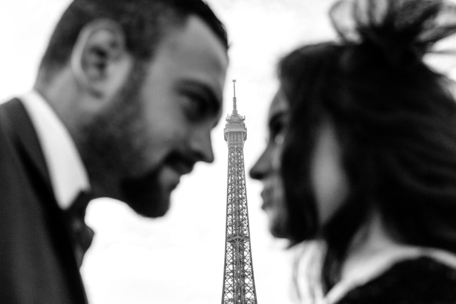 Paris pre-wedding photos at the Eiffel Tower
